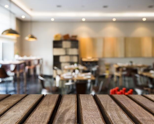 Superficie in legno che guarda al mensa