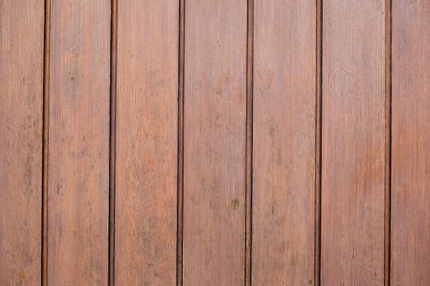 Superficie in legno con linee