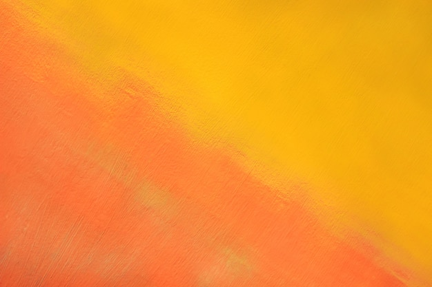 Superficie metallica verniciata nei colori giallo e rosso