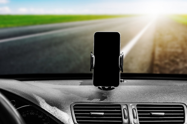 Supporto per smart phone per auto