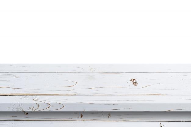 Svuoti la tavola di legno bianca sul fondo bianco dell'isolato e il montaggio dell'esposizione con lo spazio della copia per il prodotto.