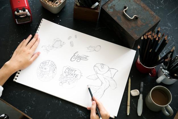 Tabella di marmo nera della disposizione di schizzo dell'illustrazione della pittura del disegno