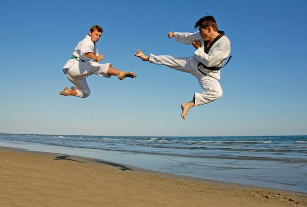 Taekwondo sulla spiaggia