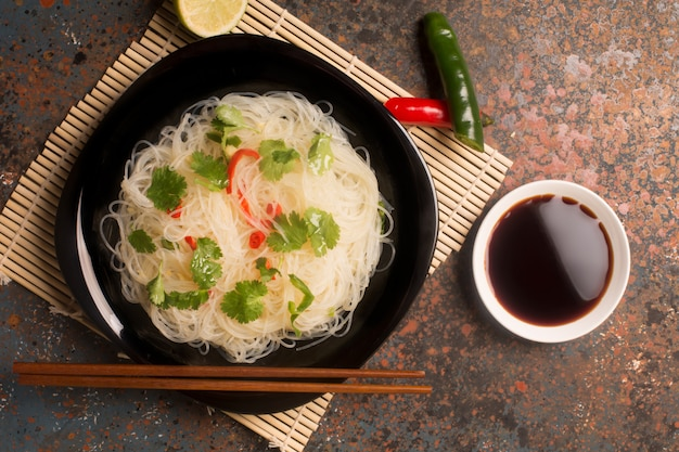 Tagliatella cinese con peperoncino