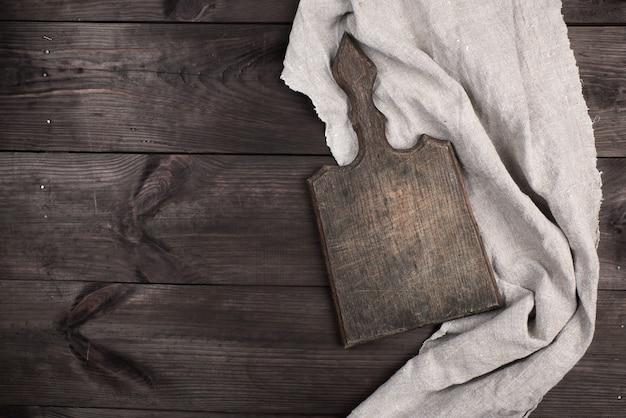 Tagliere in legno vecchio da cucina
