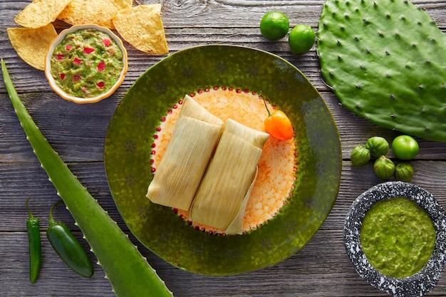 Tamales messicani di foglie di mais