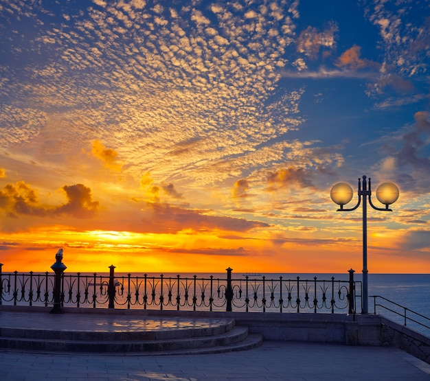 Tarragona balcone d'europa al sorgere del sole