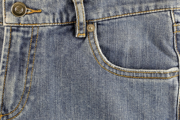 Tasca frontale di jeans.