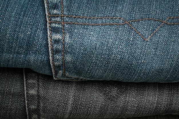 Tasca posteriore per jeans blu.