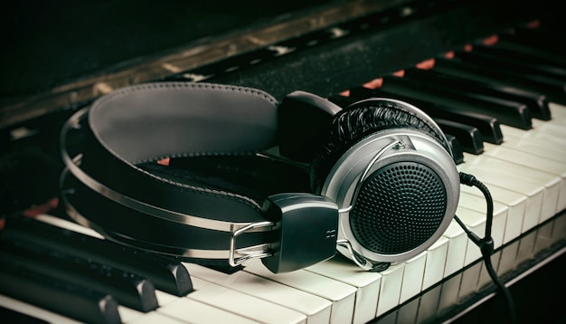 Tastiera e cuffie per pianoforte