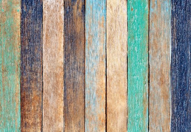 Tavola di legno colorato