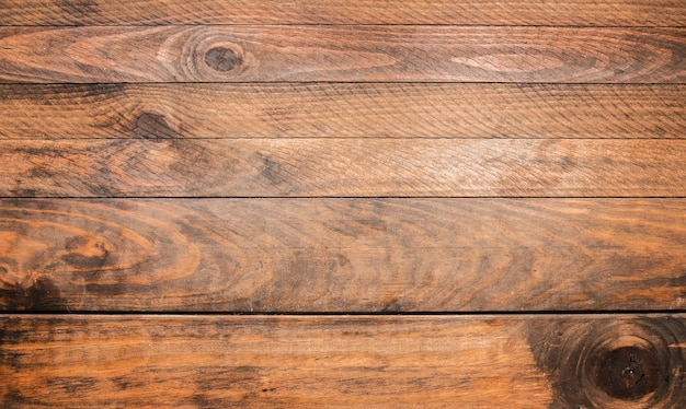 Tavola di legno marrone