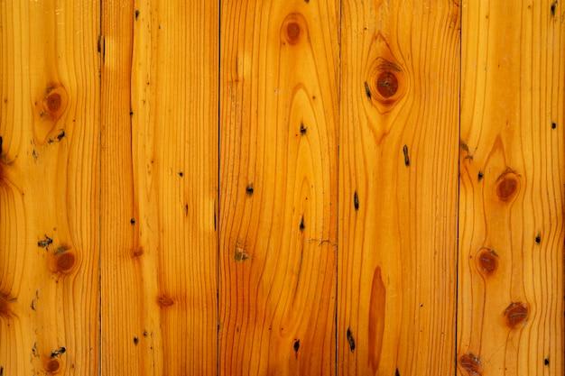 Tavole di legno dipinte sullo sfondo del tavolo.