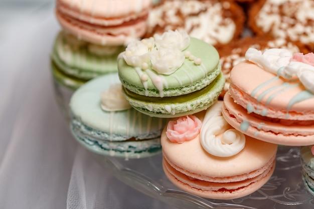 Tavolo da dessert con macarons