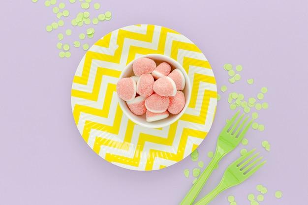Tavolo da party piatto con gelatina