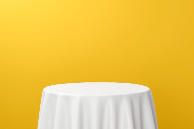 Tavolo da pranzo bianco o display a piedistallo vuoto su sfondo giallo vivido con tessuto elegante. rendering 3d.