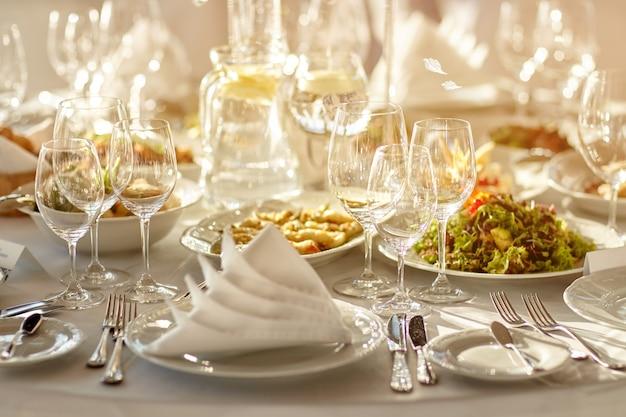 Tavolo festivo per eventi