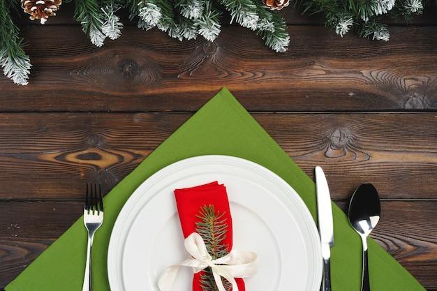 Tavolo festivo per la cena di natale, vista dall'alto