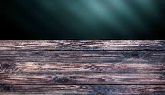 Tavolo in legno scuro per prodotto