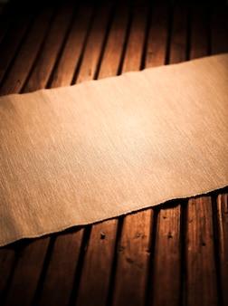 Tavolo in legno vuoto per montaggio display