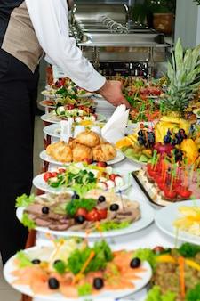 Tavolo per banchetti