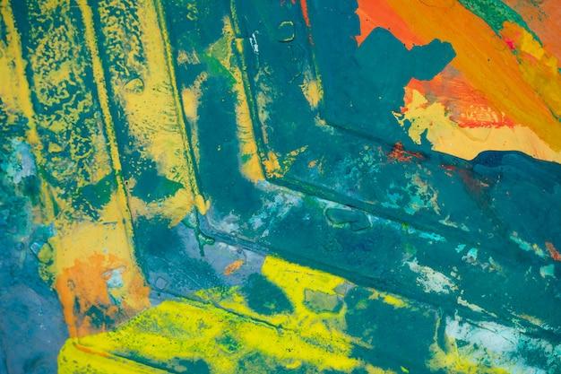 Tavolozza con colori vivaci