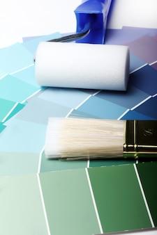 Tavolozza dei colori, catalogo o schema e rullo