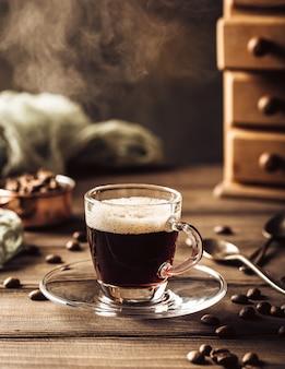 Tazza da caffè fumante