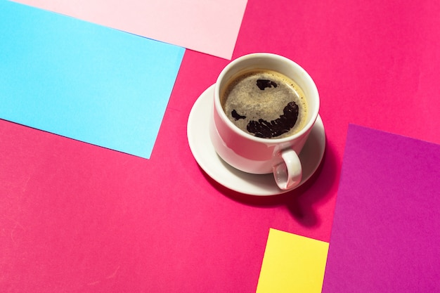 Tazza di caffè colorata