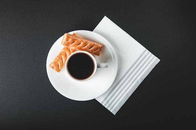 Tazza di caffè con dolci