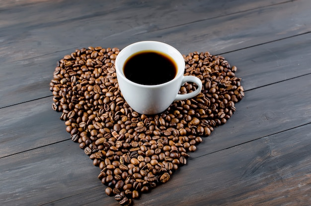 Tazza di caffè e fagioli