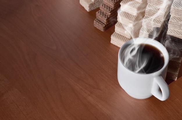 Tazza di caffè e waffels