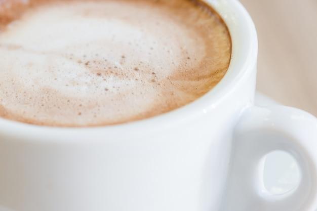 Tazza di caffè, una tazza di cioccolata calda