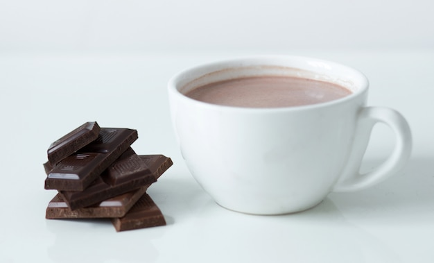 Tazza di latte al cioccolato