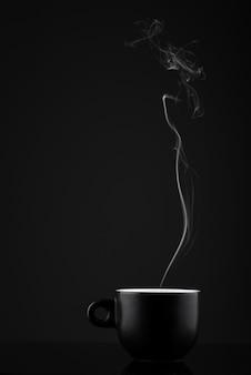 Tazza nera di caffè espresso