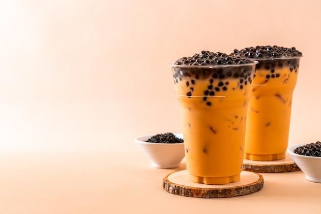 Tè al latte tailandese ghiacciato con le bolle