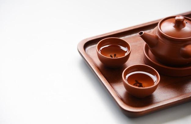 Tè cinese stile bevanda orientale sul tavolo