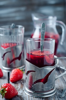 Tè freddo fresco alla fragola