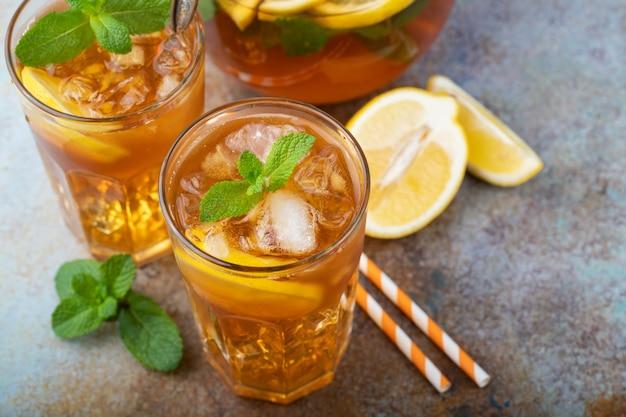 Tè freddo tradizionale al limone.