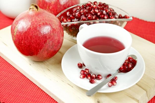 Tè fresco di melograno