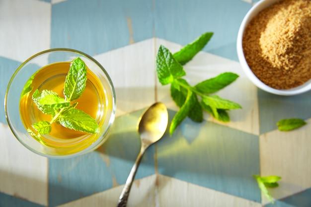 Tè verde alla menta stile marocchino
