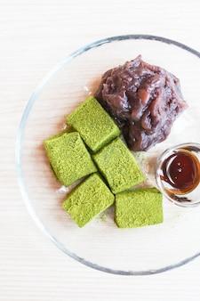 Tè verde moji con fagioli rossi