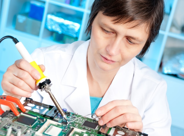 Tech test apparecchiature elettroniche