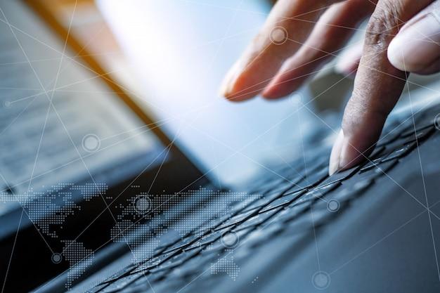 Tecnologia e concetto di collegamento