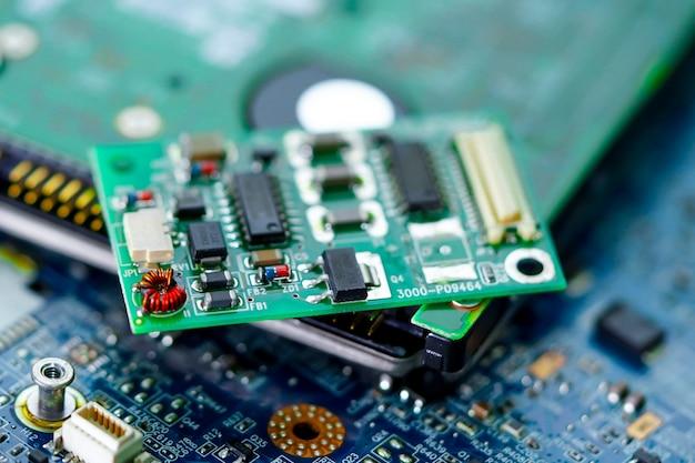 Tecnologia elettronica del computer del bordo principale del micro circuito, hardware, telefono cellulare, aggiornamento, concetto di pulizia.