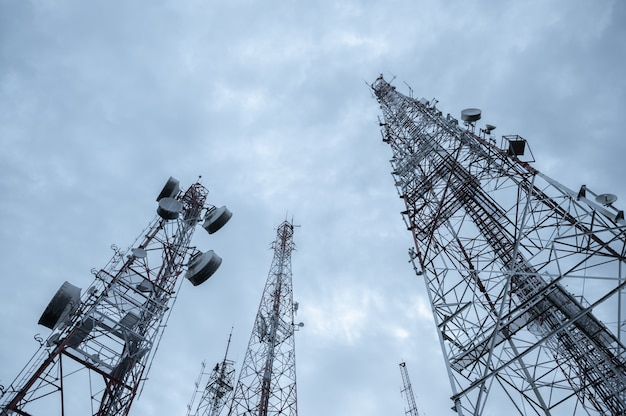 Tecnologia wireless per antenne tv per telecomunicazioni