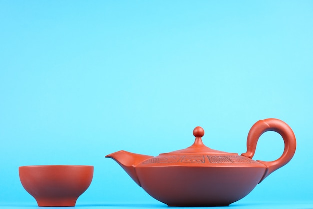 Teiera araba con tazze da té