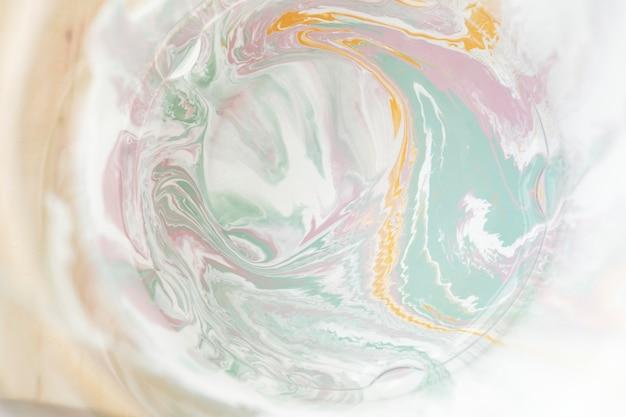 Tela dipinta a colori vivaci