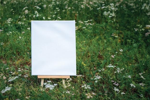 Tela poster bianca modello vuoto mockup