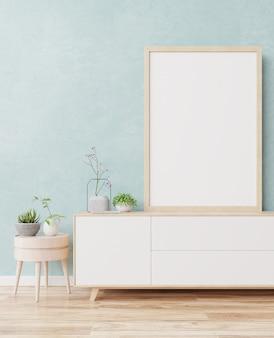 Telaio con verticale bianco su mobile tv sulla parete blu.